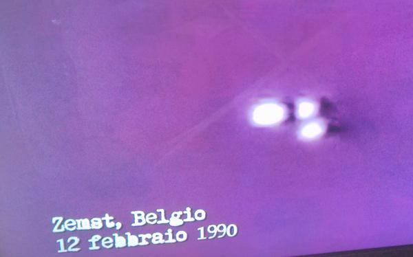 tre-luci-zemst-ufo-belgio